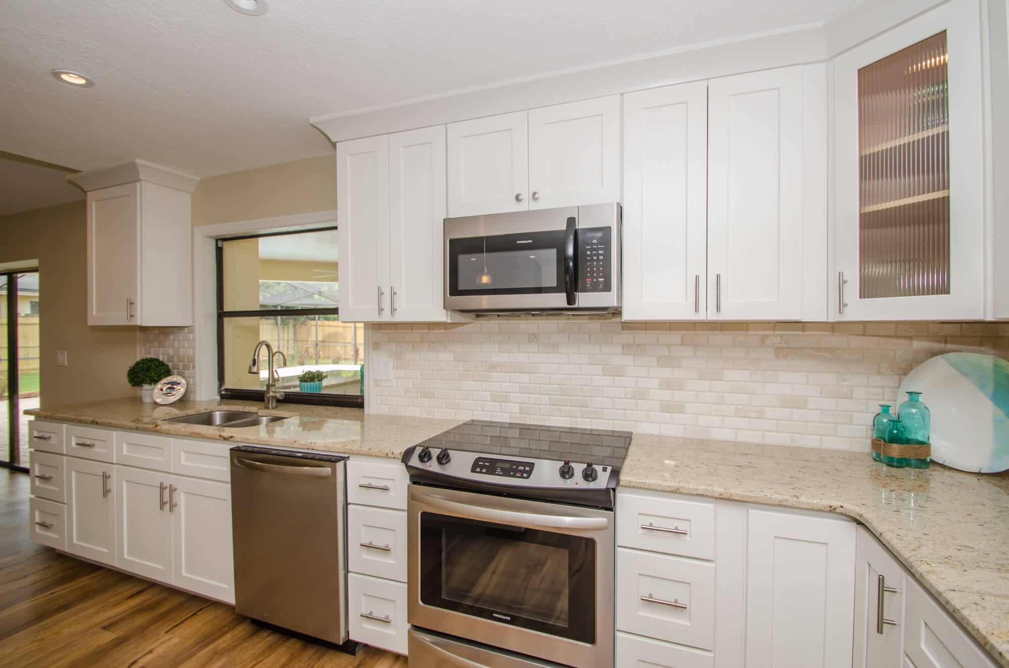 Kitchen-Remodel-with-Tile-Backsplash