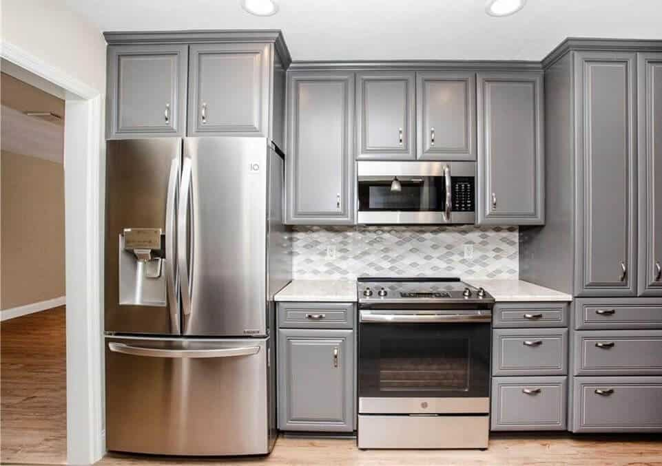 Kitchen-Remodeler-featuring-gray-cabinets