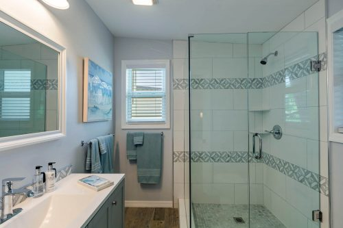 Bathroom remodeling with frameless shower